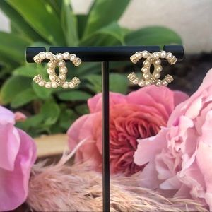 Chanel gold pearl & crystal small stud earrings